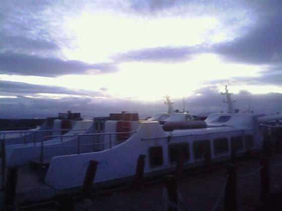 黎明前的西岛码头